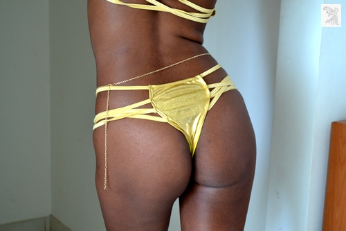 maillot string sexy martinique